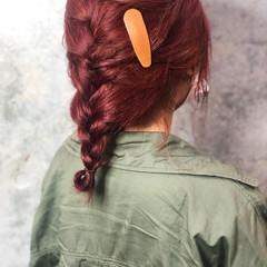 ベリーピンク ストリート セミロング ヘアアレンジ ヘアスタイルや髪型の写真・画像