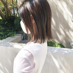 インナーカラー ハイライト 切りっぱなしボブ ナチュラル ヘアスタイルや髪型の写真・画像