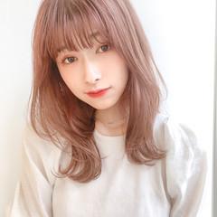 ナチュラル 小顔ヘア ミディアム レイヤーカット ヘアスタイルや髪型の写真・画像