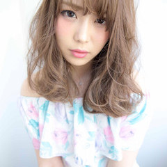 大人かわいい アッシュ ピュア 外国人風 ヘアスタイルや髪型の写真・画像