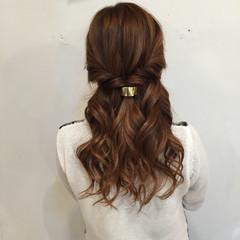 ヘアセット ねじり ナチュラル ヘアアレンジ ヘアスタイルや髪型の写真・画像