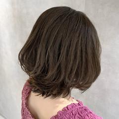 3Dカラー フェミニン ボブ 大人ミディアム ヘアスタイルや髪型の写真・画像