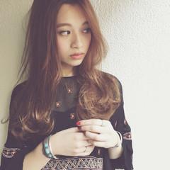 パーマ 大人かわいい アッシュ 外国人風 ヘアスタイルや髪型の写真・画像