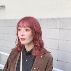 ブリーチ ガーリー ベリーピンク ミディアム ヘアスタイルや髪型の写真・画像