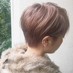 ハイトーン ダブルカラー ショート ナチュラル ヘアスタイルや髪型の写真・画像