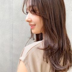 ミディアム レイヤーカット 毛先パーマ 簡単スタイリング ヘアスタイルや髪型の写真・画像