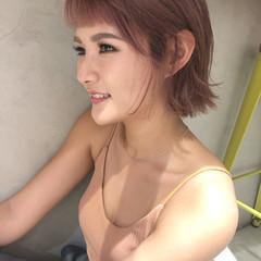 ピンク 切りっぱなしボブ ラベンダーピンク ボブ ヘアスタイルや髪型の写真・画像