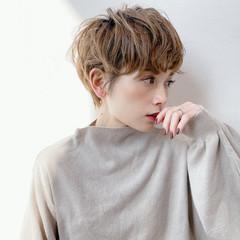 ショートマッシュ マッシュヘア ナチュラル ショート ヘアスタイルや髪型の写真・画像