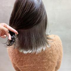 デート ストリート グレージュ ブリーチカラー ヘアスタイルや髪型の写真・画像