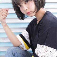 小顔 ショートバング ガーリー アッシュ ヘアスタイルや髪型の写真・画像