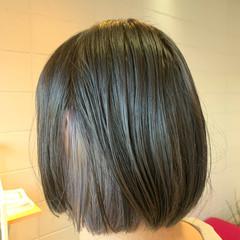 インナーカラー シルバーアッシュ デザインカラー ボブ ヘアスタイルや髪型の写真・画像