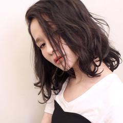 アンニュイ ミディアム デート グレージュ ヘアスタイルや髪型の写真・画像