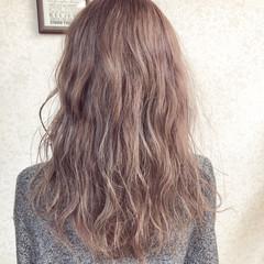 セミロング ピンクアッシュ ラベンダーグレージュ ピンクラベンダー ヘアスタイルや髪型の写真・画像