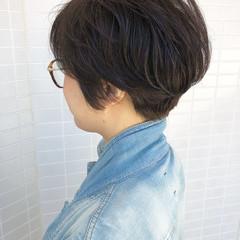 小顔ショート ハンサムショート ショートヘア ナチュラル ヘアスタイルや髪型の写真・画像