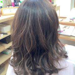 ブラウン グラデーションカラー ミディアム ナチュラル ヘアスタイルや髪型の写真・画像