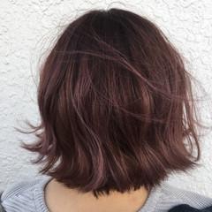 外国人風 ベリーピンク ガーリー ピンク ヘアスタイルや髪型の写真・画像