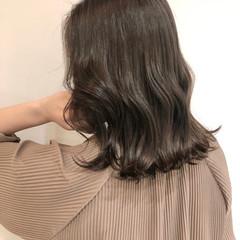 巻き髪 オルチャン セミロング 暗髪 ヘアスタイルや髪型の写真・画像