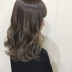 アッシュグレージュ アッシュ モード 外国人風カラー ヘアスタイルや髪型の写真・画像