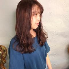 セミロング ミルクグレージュ ピンクバイオレット 韓国風ヘアー ヘアスタイルや髪型の写真・画像