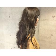 外国人風 ナチュラル ロング アッシュ ヘアスタイルや髪型の写真・画像