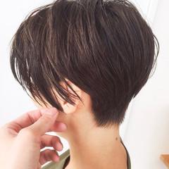 小顔 刈り上げ 大人女子 ショート ヘアスタイルや髪型の写真・画像