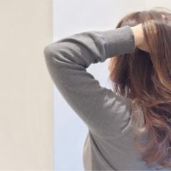 ハイライト ロング アッシュ 透明感 ヘアスタイルや髪型の写真・画像