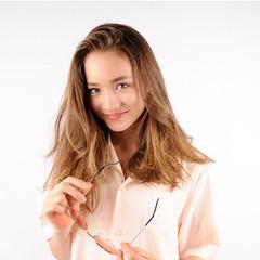 グレージュ 外国人風カラー セミロング ミルクティーグレージュ ヘアスタイルや髪型の写真・画像