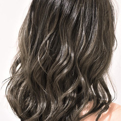 ミディアム 外国人風カラー ガーリー ハイライト ヘアスタイルや髪型の写真・画像