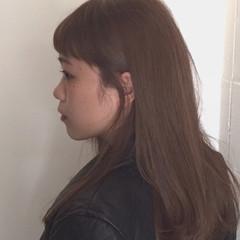 ミディアム モテ髪 前髪あり ナチュラル ヘアスタイルや髪型の写真・画像