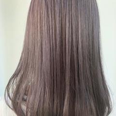 セミロング ピンクラベンダー グレージュ 切りっぱなしボブ ヘアスタイルや髪型の写真・画像