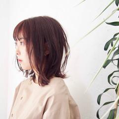 ピンクバイオレット レイヤーボブ ナチュラル ミディアム ヘアスタイルや髪型の写真・画像