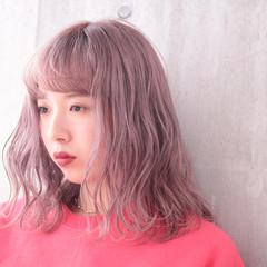 ミディアム 簡単ヘアアレンジ ピンクアッシュ ピンクバイオレット ヘアスタイルや髪型の写真・画像