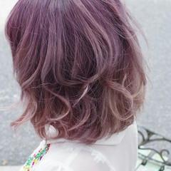 ミディアム ガーリー ダブルカラー ヘアスタイルや髪型の写真・画像