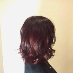 ミディアム エレガント 個性的 レッド ヘアスタイルや髪型の写真・画像