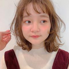 ミルクティーベージュ ミディアム 簡単ヘアアレンジ ガーリー ヘアスタイルや髪型の写真・画像