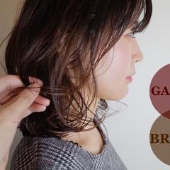 ミディアム デジタルパーマ ベージュ ハイライト ヘアスタイルや髪型の写真・画像