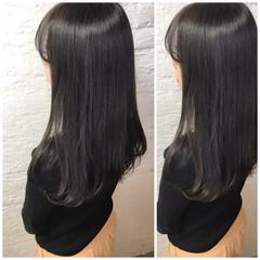 グレージュ アッシュグレージュ セミロング ミルクティーグレージュ ヘアスタイルや髪型の写真・画像