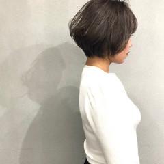 ショートボブ ショート アッシュベージュ 小顔ショート ヘアスタイルや髪型の写真・画像