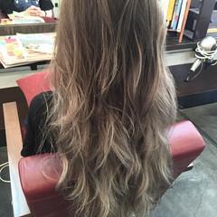 ブルーアッシュ ナチュラル グラデーションカラー グレージュ ヘアスタイルや髪型の写真・画像