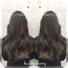 コンサバ 暗髪 グラデーションカラー アッシュ ヘアスタイルや髪型の写真・画像