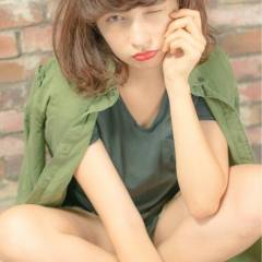 ガーリー マルサラ 外国人風 ミディアム ヘアスタイルや髪型の写真・画像