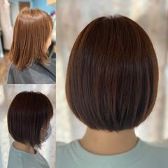 ショート 脱縮毛矯正 切りっぱなしボブ 髪質改善 ヘアスタイルや髪型の写真・画像