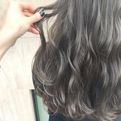 ブリーチ ナチュラル レイヤーカット ロング ヘアスタイルや髪型の写真・画像