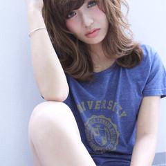 パーマ ストリート ブラウン 外国人風 ヘアスタイルや髪型の写真・画像