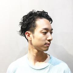 ナチュラル ショート メンズパーマ メンズカット ヘアスタイルや髪型の写真・画像