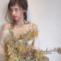 ヘアアレンジ オン眉 ガーリー 結婚式 ヘアスタイルや髪型の写真・画像