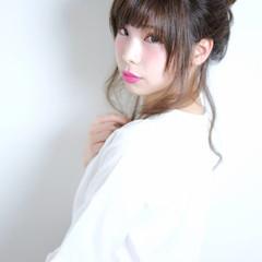 丸顔 大人かわいい セミロング 簡単ヘアアレンジ ヘアスタイルや髪型の写真・画像