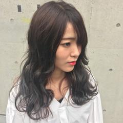 ダブルカラー インナーカラー セミロング グラデーションカラー ヘアスタイルや髪型の写真・画像