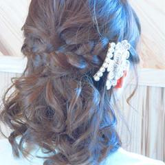 ミディアム ハーフアップ くるりんぱ 編み込み ヘアスタイルや髪型の写真・画像