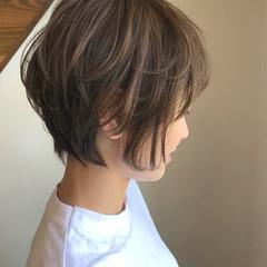 ハイライト ベージュ ゆるふわ ショート ヘアスタイルや髪型の写真・画像